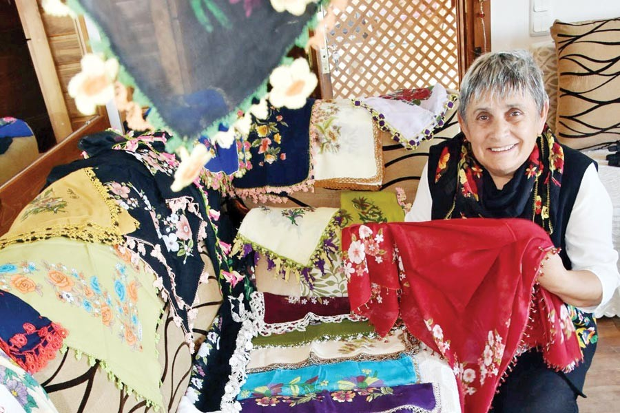 Ayşe Önder topladığı yazmalarla müze açmak istiyor