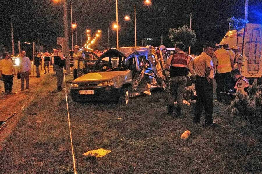 Samsun'da midibüsle kamyonet çarpıştı: 5 ölü, 3 yaralı