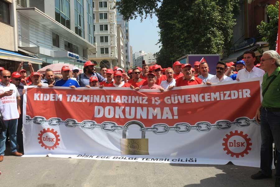 DİSK, İzmir'de kıdem için cuma günü iş bırakacak