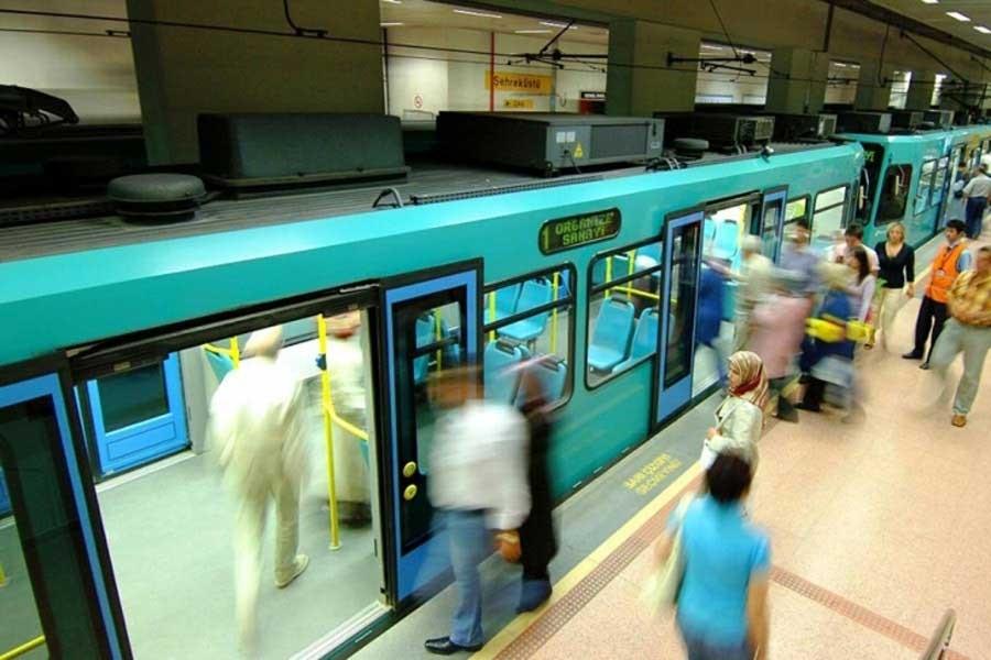 Metro'da küfür edilen kadına tehdit içerikli telefon iddiası
