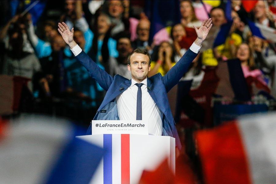 Macron, Fransız siyasetini altüst etmeyi sürdürüyor