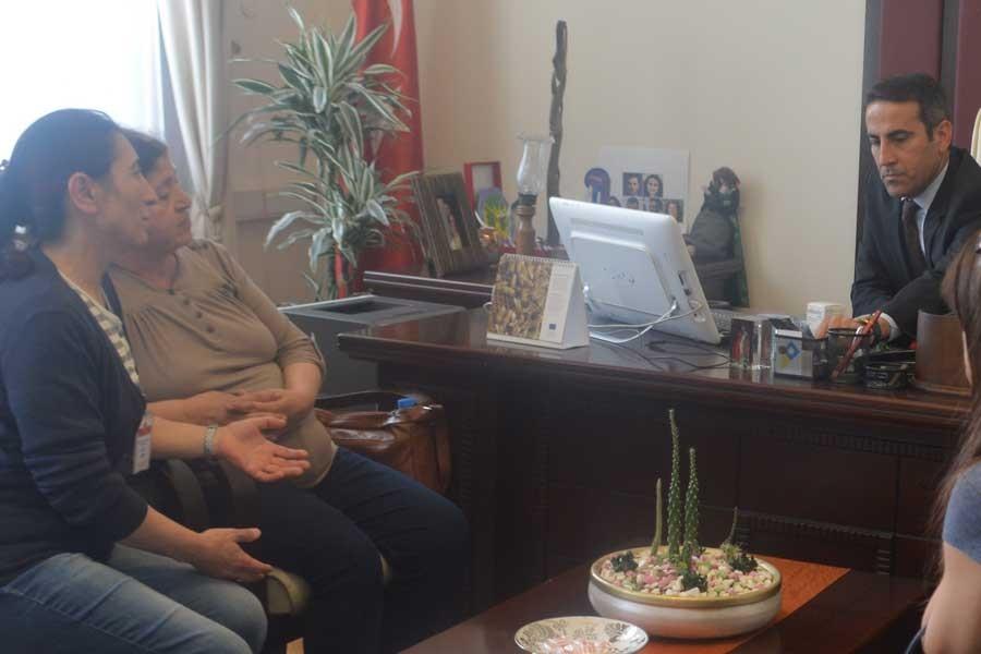 Semih Özakça'nın annesi HDP grubunu ziyaret etti