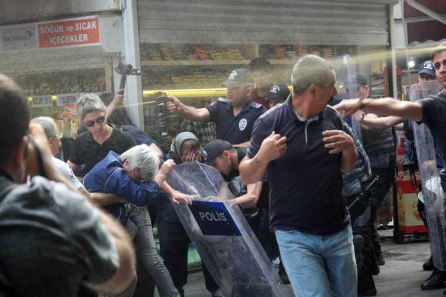 Saçılık ve Karadağ'ın eylemine polis yine saldırdı