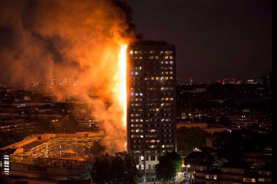 Fotoğraflarla Londra yangını