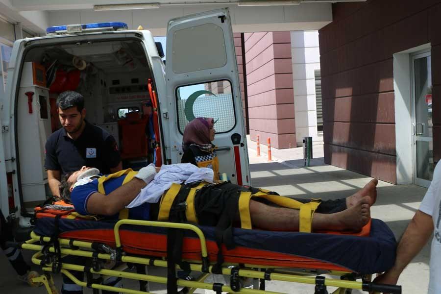 Adıyaman'da üzerine sunta düşen 2 işçi yaralandı