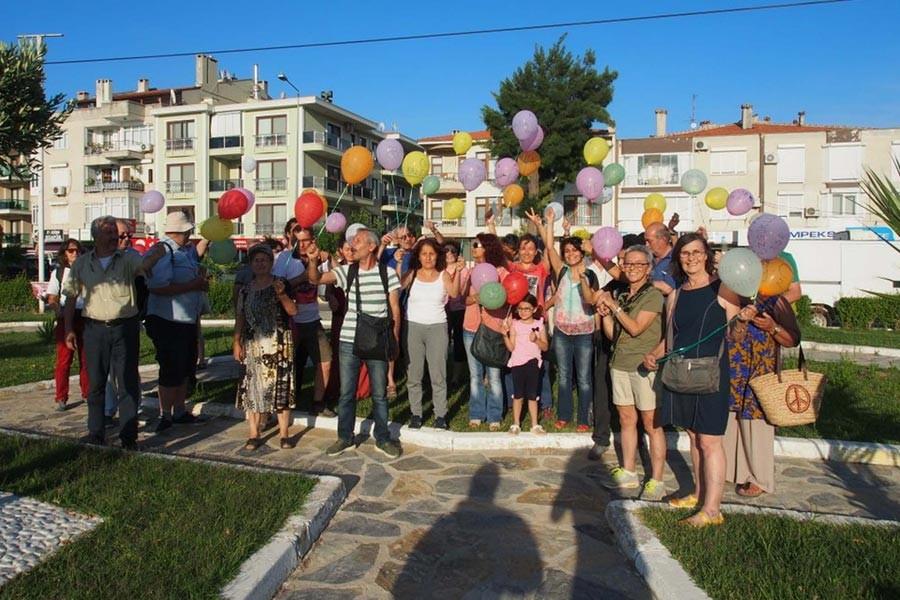 Gülmen ve Özakça'ya balonlu destek