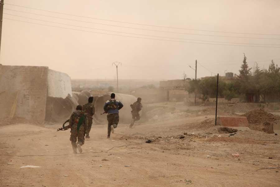 Suriye Demokratik Güçleri Rakka'nın tarihi surlarını aştı