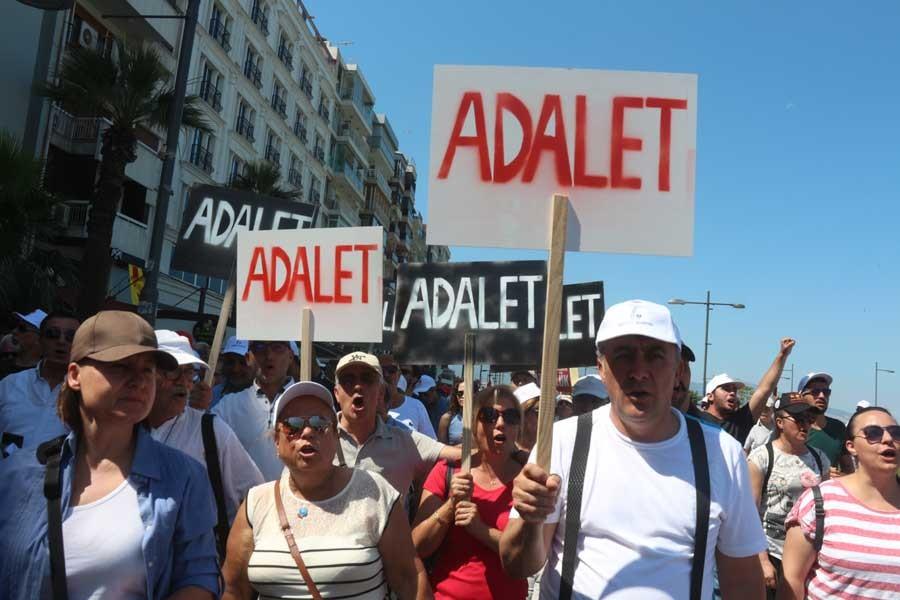 CHP İzmir'de de 'adalet yürüyüşü'ne başladı