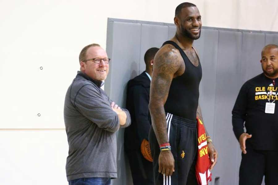 Cavaliers'ın sahibinden LeBron James'i kızdıran karar