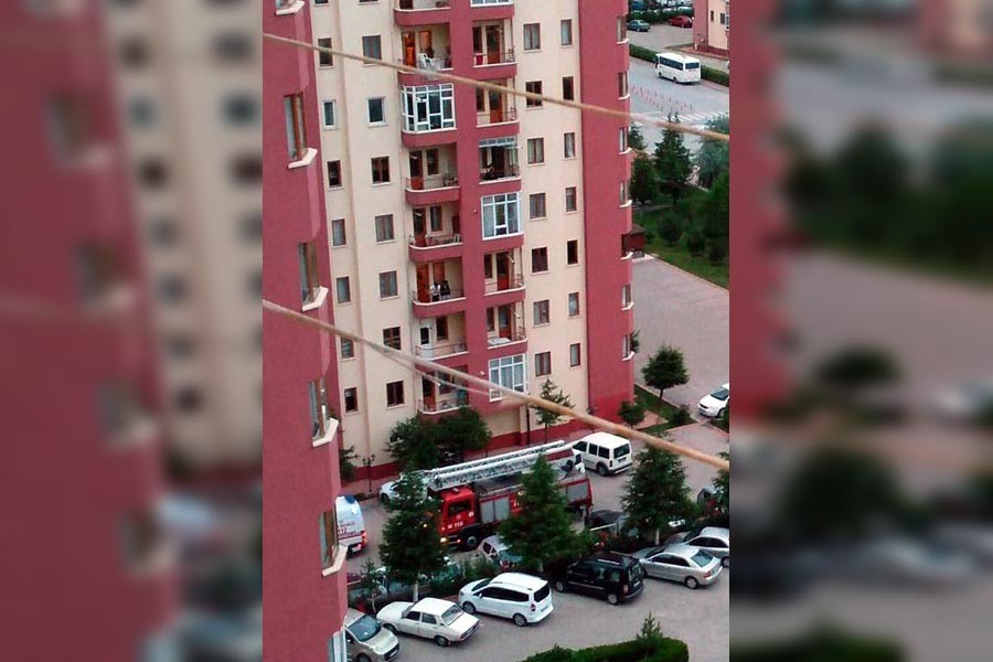 8. kattan asansör boşluğuna düşen çocuk hayatını kaybetti