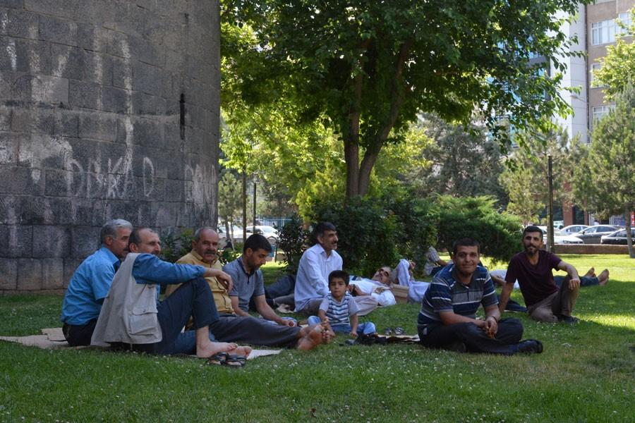 Diyarbakırlılar: Haksızlığa uğrayana sırtımızı dönmeyiz