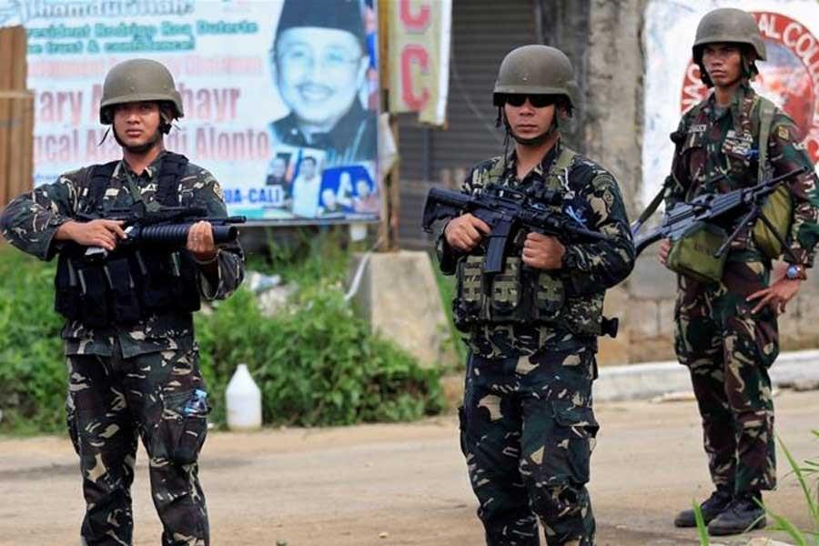 Filipinler'de IŞİD bağlantılı örgütten köy baskını