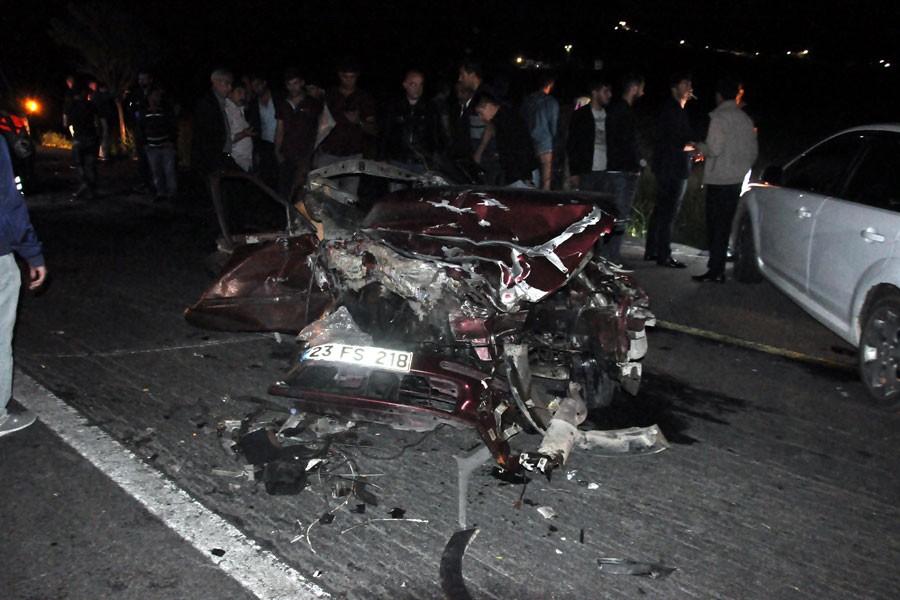 Bitlis'te feci kaza: 3 ölü, 8 yaralı