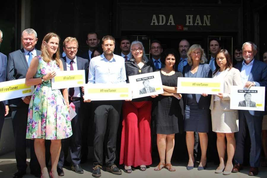AB Delegasyonu ve 16 ülke temsilcisinden Af Örgütü'ne destek