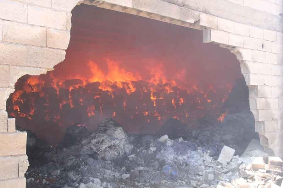 Şanlıurfa'daki yangında tonlarca pamuk kül oldu