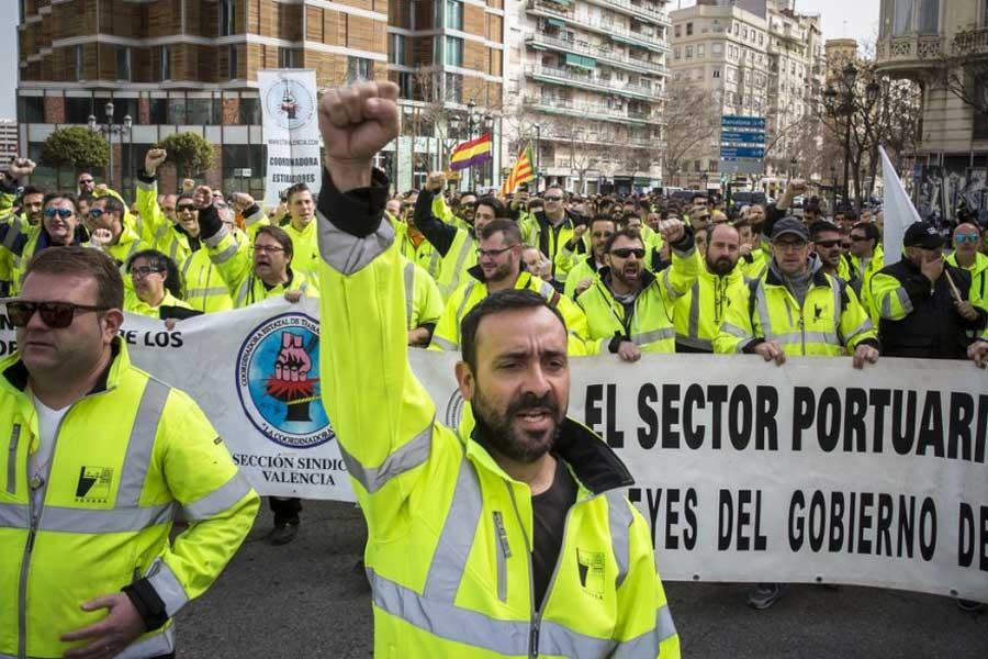 Avrupa'nın tüm limanlarına grev çağrısı