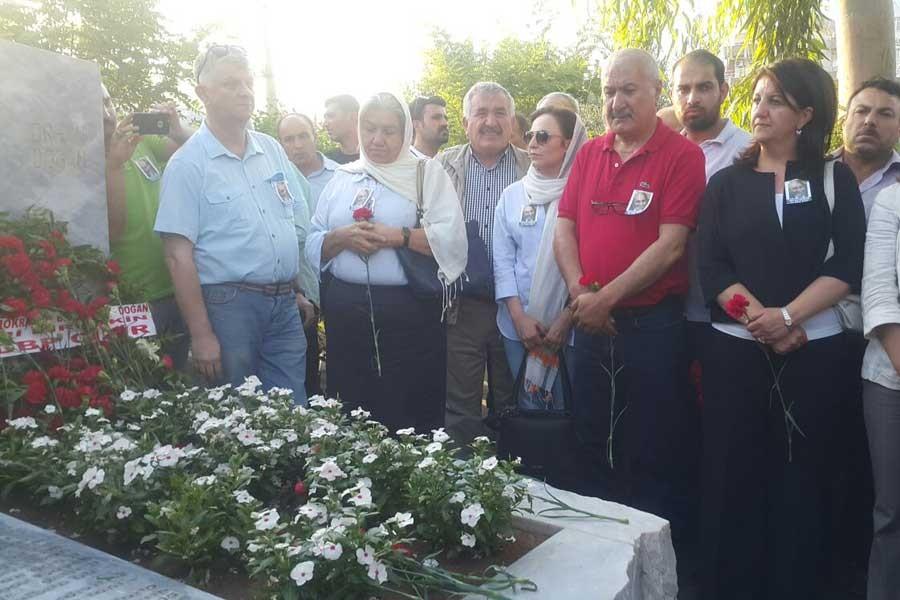 Doğan'ın dostları: Barışı getirmediğimiz için özür diliyoruz