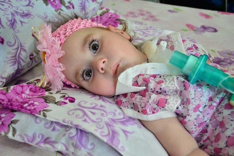 SMA hastası Zeynep bebek ilaç beklerken yaşamını yitirdi