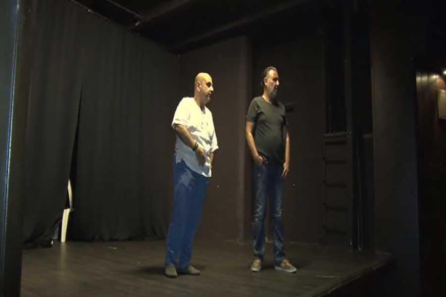 Usta oyuncuları ağırlayan tiyatro salonu kapılarını kapattı