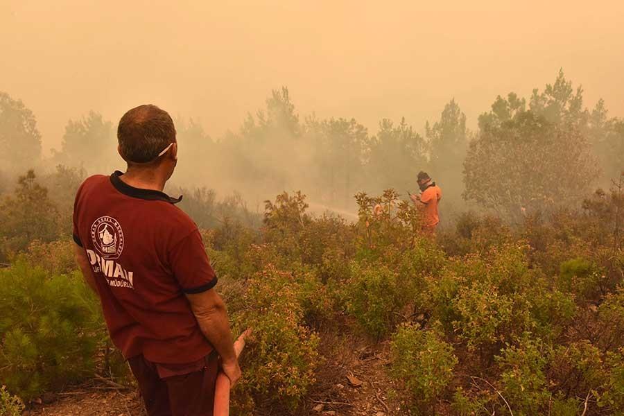 Anamur'daki orman yangını kısmen kontrol altında