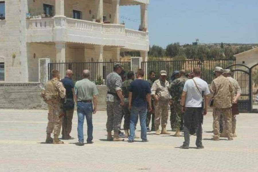 TSK'nin hedefindeki Afrin'e Rus askerleri çıkarma yaptı