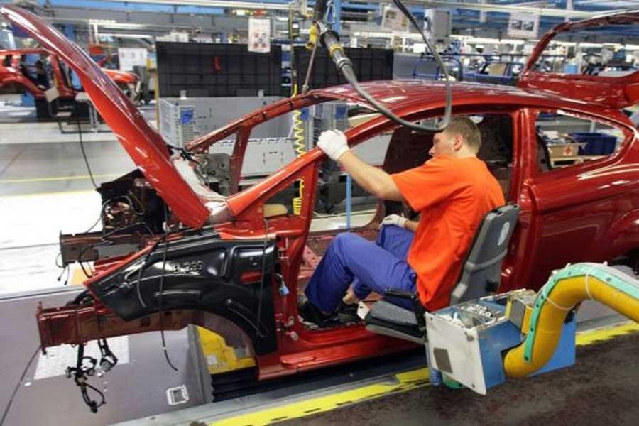 Üretimi durduran Ford, faturayı işçiye kesti