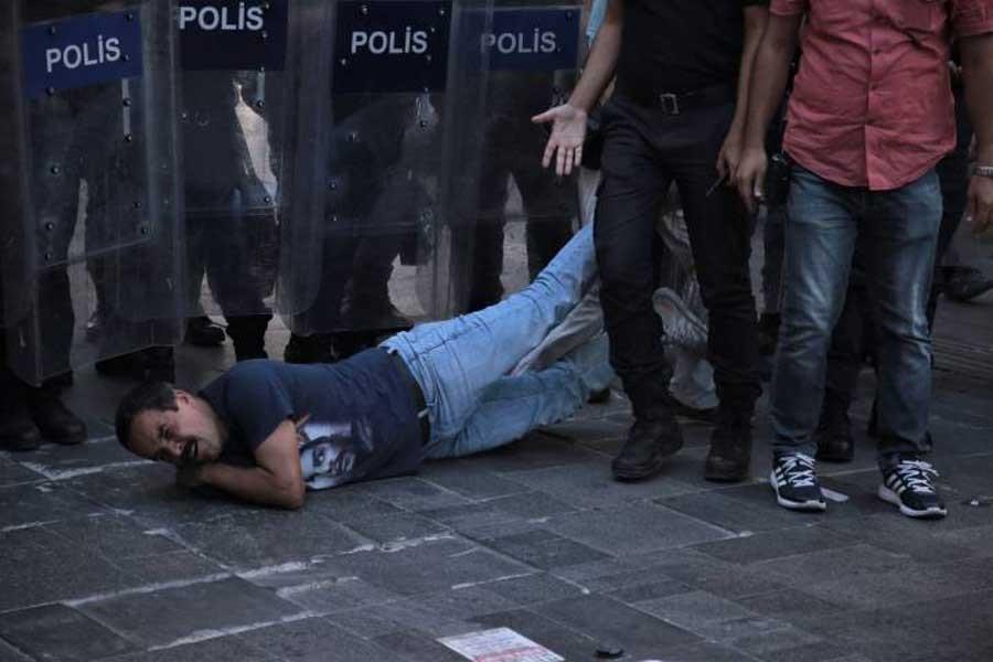 Veli Saçılık gözaltında: Kolum çok kötü, ambulans çağırın