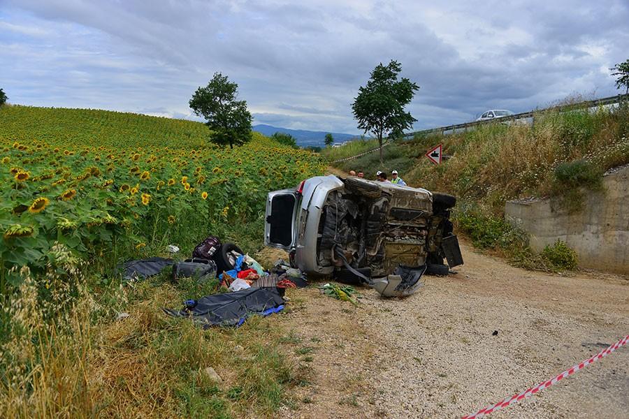 Erbaa'da acı kaza: 1'i çocuk 3 ölü, 5 yaralı