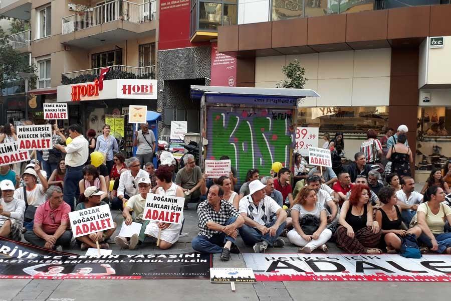 İzmir'de Adalet Nöbeti bugün çevre için tutuldu