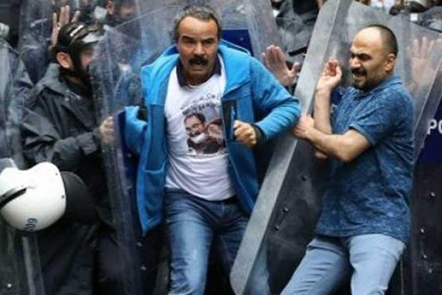 Saçılık, Özakça'nın evlerine polis baskını