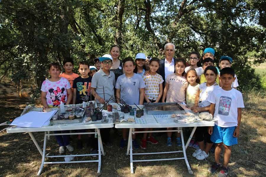 Balat Atatürk Ormanı'nda çocuklar bilim ve sanatı öğreniyor
