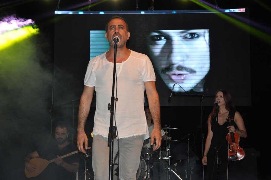 Haluk Levent, Barış Akarsu anısına sahneye çıktı