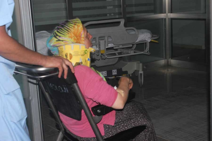Tarım işçilerini taşıyan minibüs takla attı: 17 yaralı