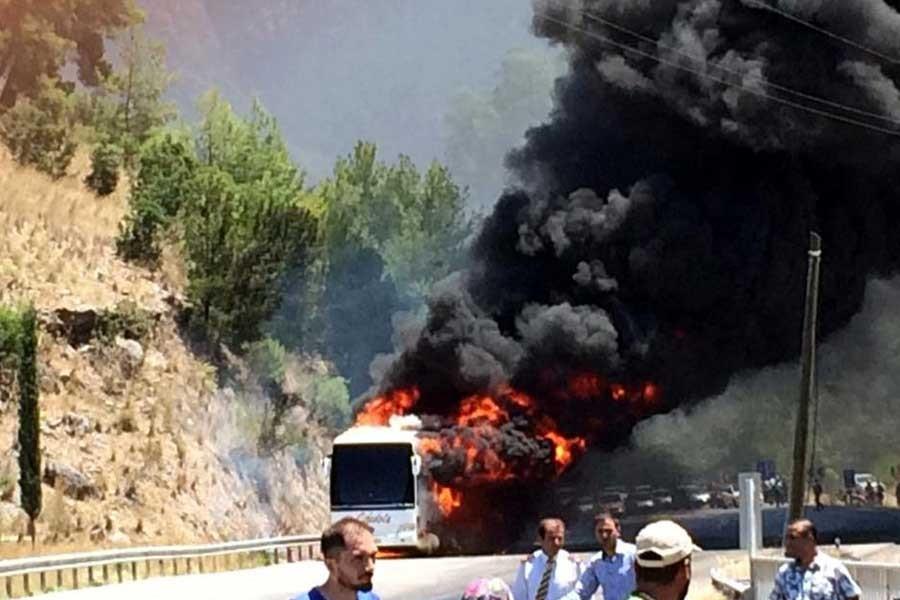 Isparta'da yolcu otobüsünde yangın