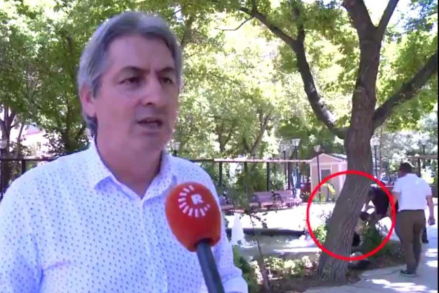 Röportaj sırasında gölete düşen çocuğu kameraman kurtardı