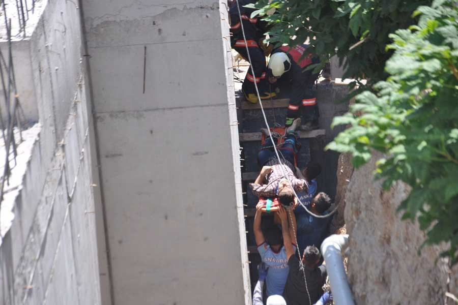 Ankara'da cami inşaatından düşen işçi yaralandı