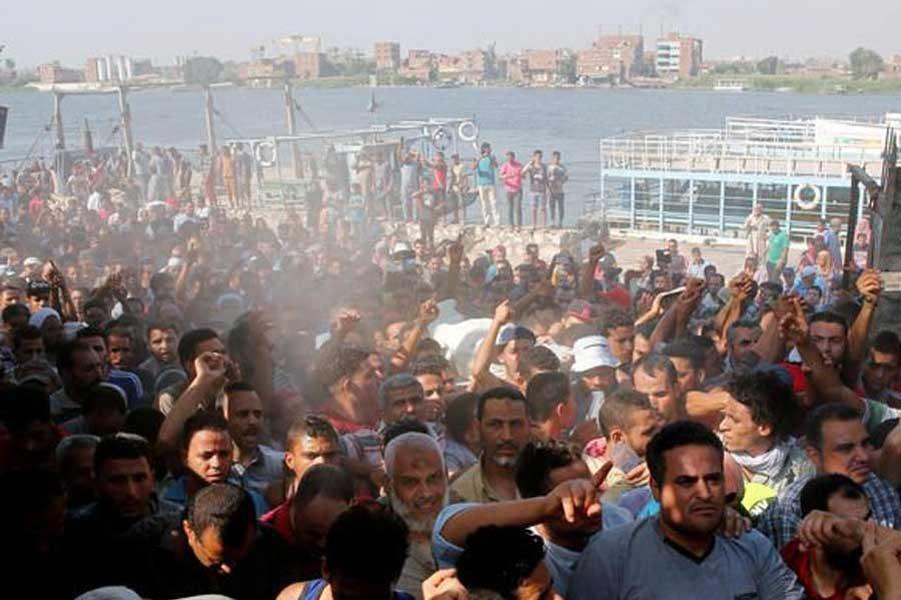 Mısır'da halk, evlerinin yıkılmasına karşı çıktı