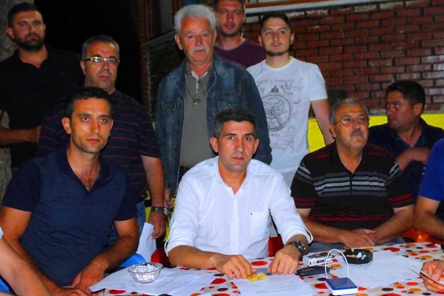 Bigadiç'te 200 MHP'li partiden istifa etti
