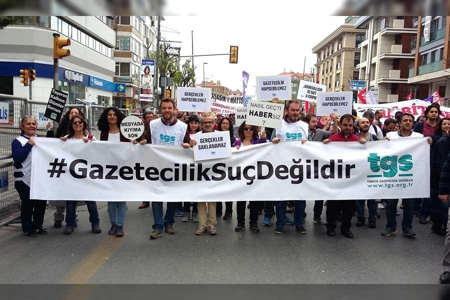 TGS'den Hürriyet'teki işten çıkarmalara tepki: #SendikaHürriyettir