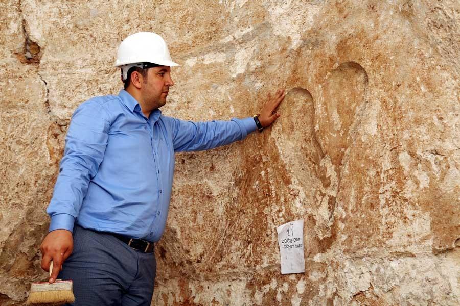 Selçuklu hamamı duvarında 762 yıllık kalp figürü bulundu