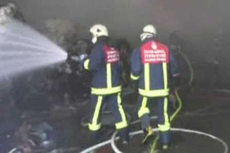Çatalca'da bir fabrikada yangın çıktı