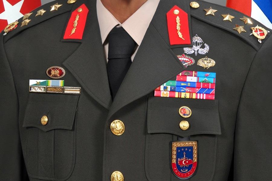 2 general ve 5'i kurmay 65albay, emekliye sevk edildi
