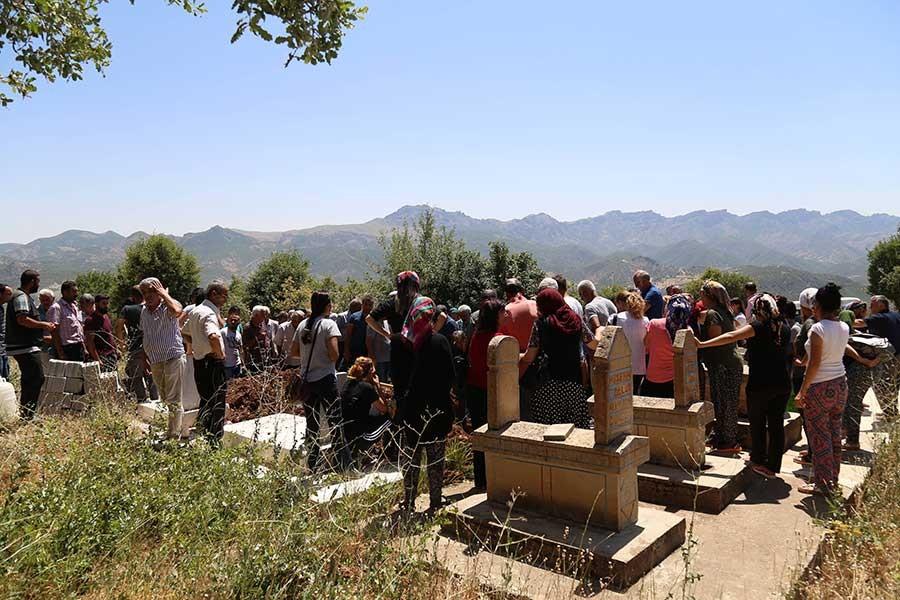 Bombalanan köyde yaşamını yitiren Güneş toprağa verildi