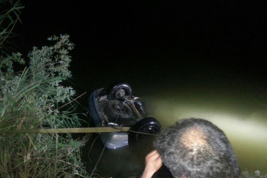 Otomobil Sakarya Nehri'ne uçtu: 3 kişi yaşamını yitirdi