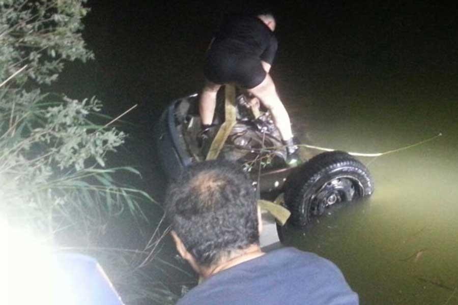 Otomobil Sakarya nehrine uçtu: 3 kişi hayatını kaybetti