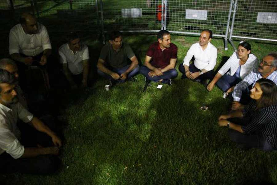 Call for unity from the HDP MPs organising the Resistance Vigil