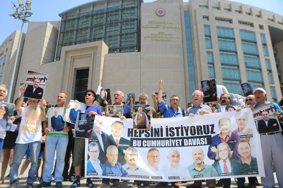 Seven Cumhuriyet employees released while five will remain under arrest