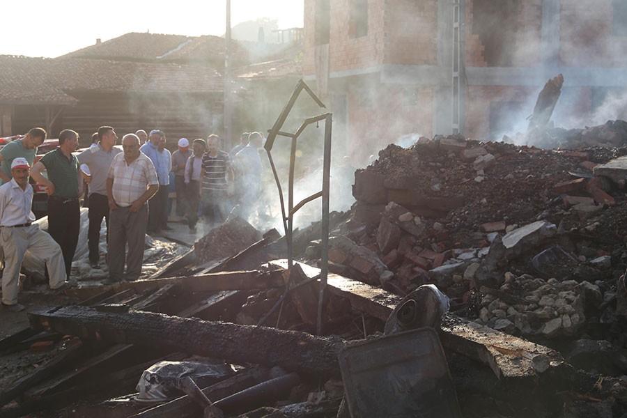 Afet gibi yangın: Çankırı'da 27 ev kül oldu