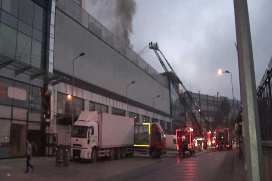 Bayrampaşa'da otel yangını