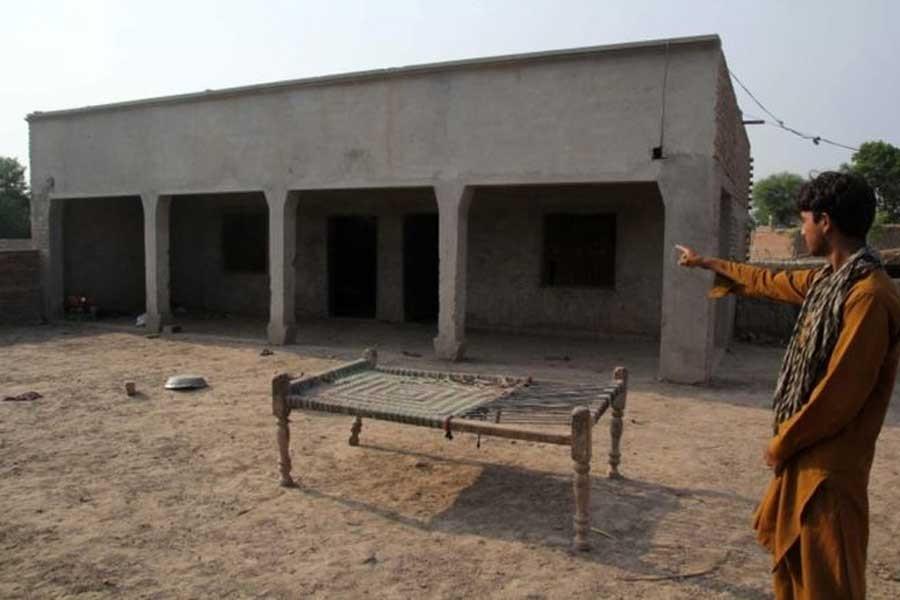 Pakistan'da tecavüz sanığının kız kardeşine tecavüz